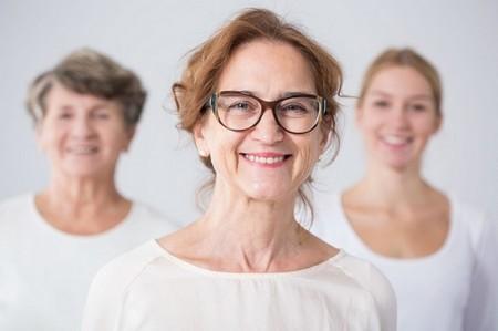 женщины разного возраста